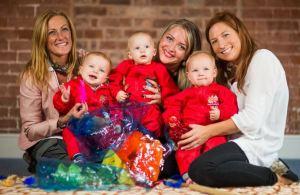 Babies & Mummies  enjoying creative fun at  'Baby Discover'